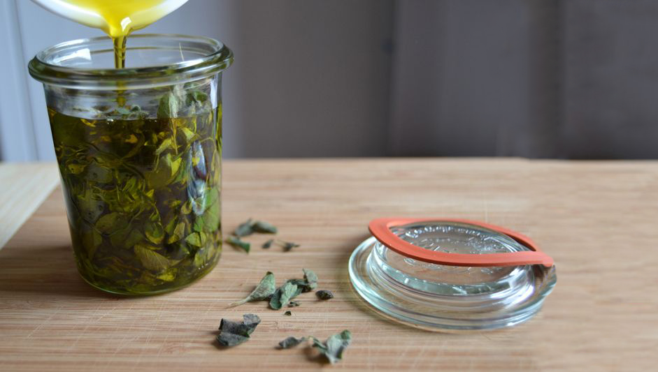 Oregano Oil Is The 'Ultimate Natural Antibiotic' Known To Science Treating All Pains, Colds And Infections