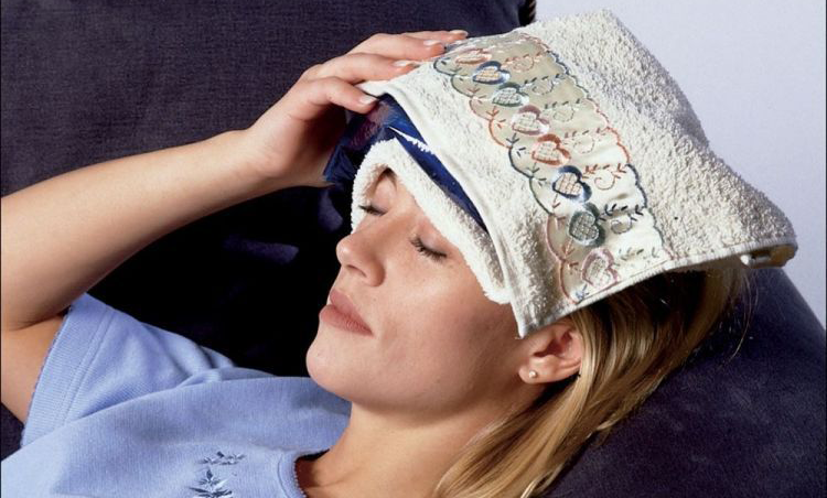 This Amazing Compress Will Help You Relieve Headache and Treat Swollen Feet Naturally