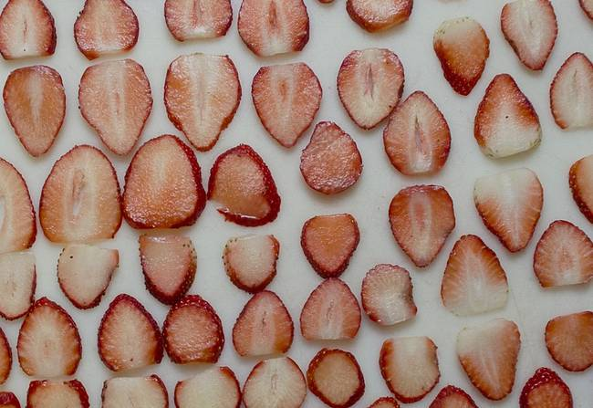 Homemade Strawberry Chips: Prevent Diabetes and Lose Weight