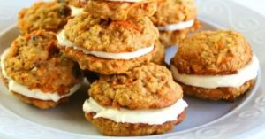 Read more about the article Carrot Cake Cookies With Cream Cheese Filling