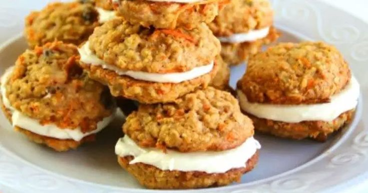 You are currently viewing Carrot Cake Cookies With Cream Cheese Filling