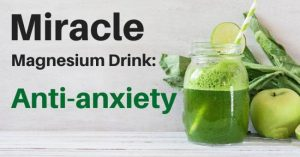 The Anti-Anxiety Juice Recipe that Uses Celery, Spinach, Apples, and Ginger
